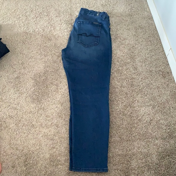Seven for all mankind size 32